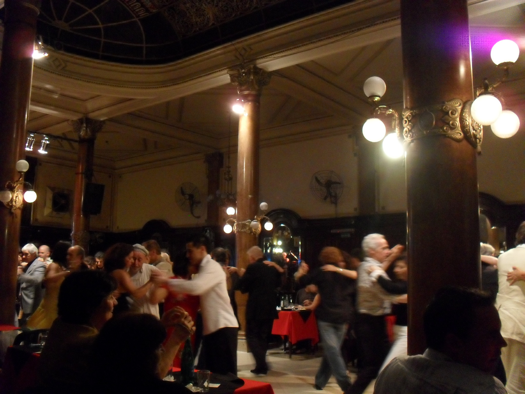 Learn to dance tango in wellington photo gallery for A puro tango salon canning
